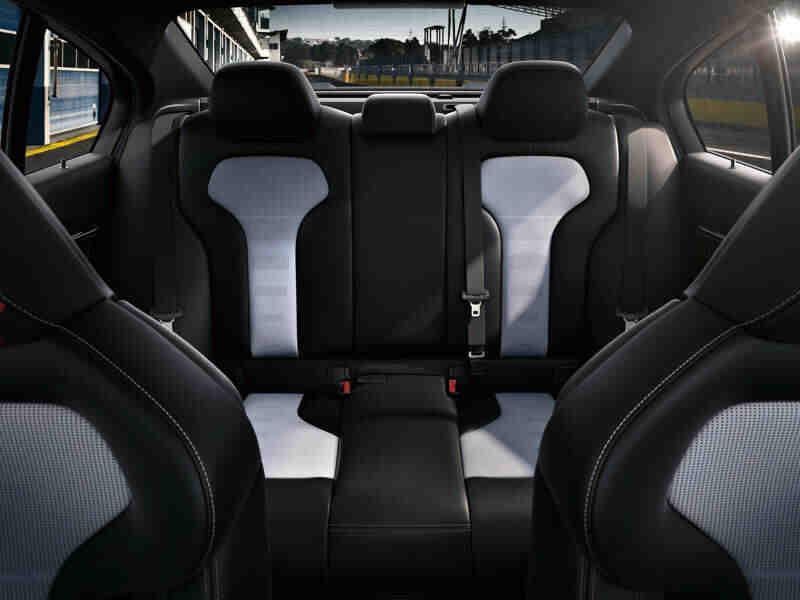 Quel SUV a 5 vrais sièges?