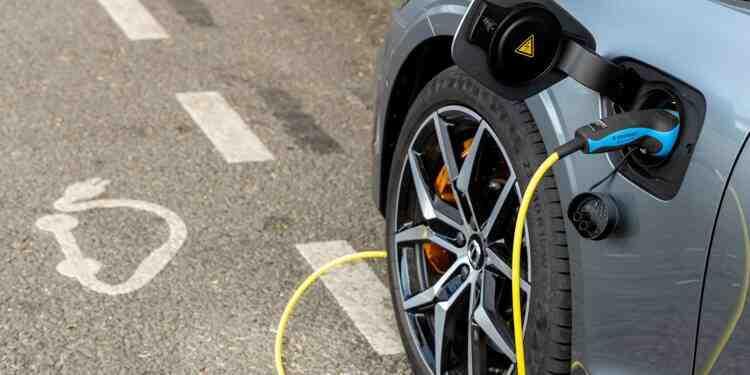Pourquoi ne pas acheter une voiture électrique?