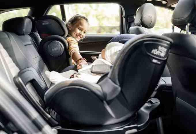 Quel est la meilleur voiture avec 3 sièges auto ?