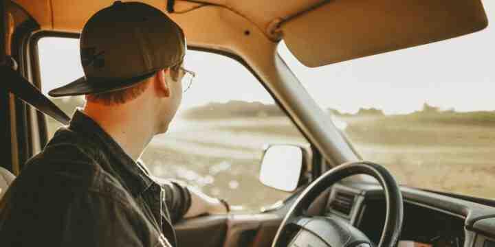 Comment assurer une voiture pour un jeune adolescent?
