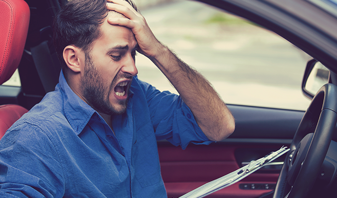 Comment ne pas payer une assurance coûteuse pour les jeunes conducteurs?