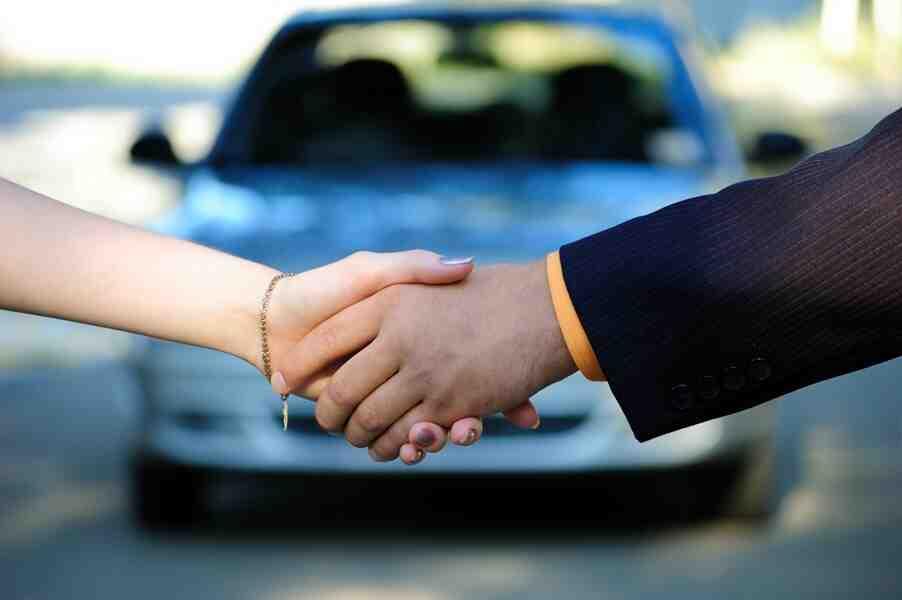 Quel document le vendeur d'une voiture doit-il conserver?